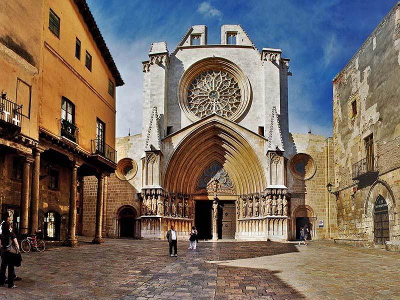 catedral de tarragona vista frontal